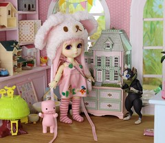 The Peculiar Pink Man's Secret #7 (Arthoniel) Tags: pink cat toy miniature doll ns bad collection marshmallow tiny kawaii figure limited rare toyshop premium myth diorama suji balljointeddoll latidoll monsterhunter faceup lati normalskin nereapozo littleangelsweeties
