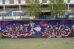 Shine, Quest, Ante - Gangsta's Paradise - Stockwell, 13th (Low Tech) Tags: sunshine graffiti paradise shine graf rockwell ltd tus bankholiday wildatheart graffitiart wildstyle ante stockwell gangstas theusualsuspects graffitimurals shinequest graffitiuk anteshinequestgrafgraffiti anteart burntshine