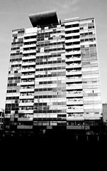 Golden Lane Estate, EC2. (SONICA Photography) Tags: street city england london architecture photography photo foto photos photographic photographs photograph fotos 1950s londres styles lin londra 2009 goldenlane urbanplanning urbanrenewal brutalist cityoflondon londinium ec2 redevelopment goldenlaneestate aldersgatestreet londonist fotograaf londonengland photographes bravenewworld londonphotos panasonicdmctz3 slumclearance eztd eztdphotography photograaf eztdphotos leeztd 1960surbandevelopment eztdgroup no1photosoflondon londonimagenetwork ceztd