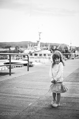 Hanna (Gabi bacsi) Tags: family ireland sea summer bw howth girl fun hanna child wind daughter littlemodel fujixpro1 fuji35mmf14