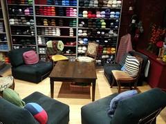 26 septembre 2013 (elisala) Tags: tricot yarn laine yarnshop 2013 lpdj flickrandroidapp:filter=none cafetricotstudio soiretricot boutiquedelaine