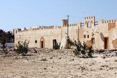 Vorne hui und hinten pfui (gripspix (OFF)) Tags: hotel tunisia djerba decay tunesien zerfall 20130621