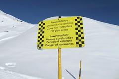 Furka Pass - Danger of avalanches (Kecko) Tags: schnee winter snow sign danger geotagged schweiz switzerland suisse swiss pass kecko svizzera uri gefahr 2014 furka furkapass innerschweiz zentralschweiz lawinengefahr realp swissphoto lawinen geo:lat=46593732391193825 geo:lon=8459381461143494