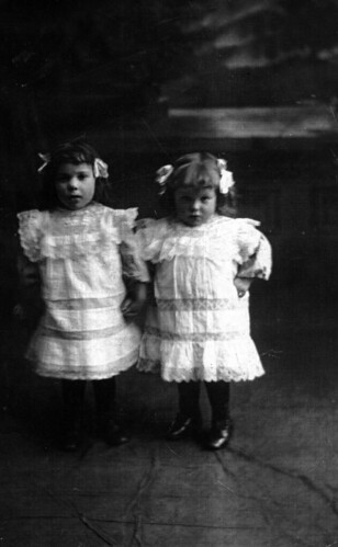 Beveridge Twins 1909