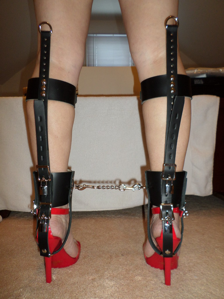Recommend you Bdsm shoe lock chains