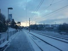 Högsbo (blondinrikard) Tags: winter snow cold buses clouds göteborg vinter snowy rails snö moln spår bussar kallt räls