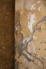 Le coin du bon sens (Gerard Hermand) Tags: 1405134978 coin corner ocre ochre gerardhermand france eos5dmarkii jaune mur sainttropez wall yellow canon