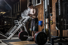 Sonny at the gym2 (Alex93vf) Tags: sweden indoor bodybuilding billabong gym speedlite canon70d