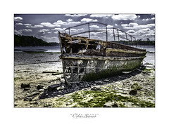 #DH677 (Didier Hannot Photography) Tags: blue red sea seascape beach yellow clouds landscape seaside sand rust cloudy outdoor sable rusty bretagne textures coastline algae wreck saintmalo abandonned algues finistre pave abandonnedplaces bittany quelmer abandonnedboat abandonnedwreck metalwreck steelwreck