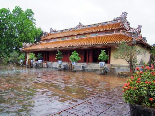 hue - vietnam 72