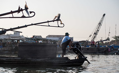 floating market of Cn Th IV (grapfapan) Tags: river boat market crane vietnam mekongdelta propeller mekong offboardmotor