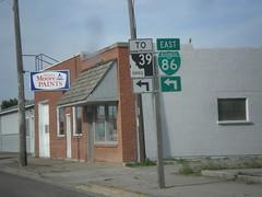 BL-86 East (Fort Hall Ave.) at Idaho St. (sagebrushgis) Tags: sign idaho intersection shield americanfalls id39 bl86americanfalls