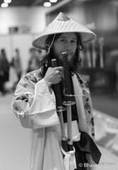 _DSC0957 (one8haveshp) Tags: white black london monochrome minolta cosplay sony may af comicon f28 maxxum 80200 2016 ilce a7ii 7m2