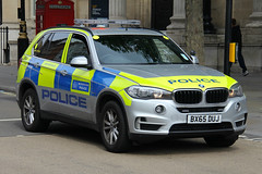 Metropolitan Police BMW X5 Armed Response Vehicle (PFB-999) Tags: colour london car square 4x4 trafalgar police bmw vehicle leds service metropolitan grilles response unit firearms armed x5 the mps 2016 lightbar trooping arv bx65duj