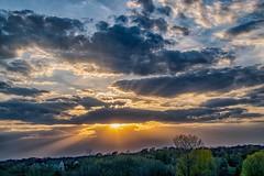 Sunburst Sunset (Doug Wallick) Tags: sunset lake weather minnesota clouds colorful sunburst rays burst prior