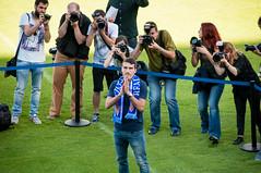Presentacin Zapater (5 de 33) (Fernando Soguero) Tags: nikon soccer sigma zaragoza futbol realzaragoza d5000 fernandosoguero fsoguero feranndosoguero