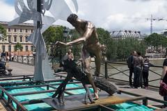IMG_0454.jpg (mgroot) Tags: paris france art statue ledefrance fr pontdesarts paris2016