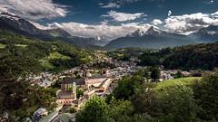 Berchtesgaden (Bernd Thaller) Tags: berchtesgaden bayern deutschland de landscape cityscape village mountain clouds sun outdoor green blue watzmann