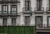 ACRÓBATAS (Pedro Michelena) Tags: barcelona street callejeando fachada contenedor obreros reparación arreglos acróbatas secuenciafotográfica pmmrm61