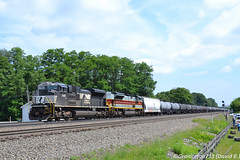 NS 1140 EMD SD70ACe (65E) (Trucks, Buses, & Trains by granitefan713) Tags: train freighttrain locomotive ns norfolksouthern emd electromotive pitl nspittsburghline pittsburghline cresson railfan railroad mainline emdsd70ace sd70ace ace hertiage hertiageunit nsheritageunit lackawanna lackawannarailroad 1074