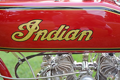 1918 Indian Chief PowerPlus - Tank Detail (Brad Harding Photography) Tags: 1918 indian chief roadmaster indianchiefroadmaster indianchief bike motorbike motocycle antique vintage historic red artoftheconcours kansascity missourikansascityartinstitute cycle