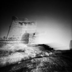 Castle In Motion (cheetahtype) Tags: castle 120 film mediumformat pinhole quel zero2000 zeroimage larioja