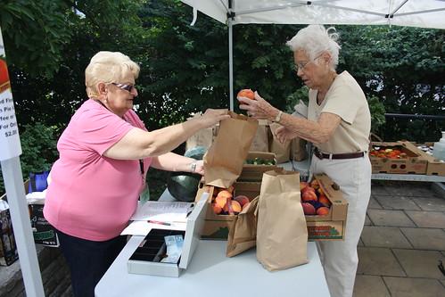 Peach Festival and Farmers' Market - 140 Merton Street - August 17, 2012 (6)