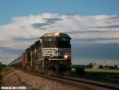 NS 1008 & 1064 lead SB Oil @ Worden, IL (CQDX018) Tags: up train illinois pacific ns union norfolk trains 1064 southern oil etc railfan 1000 pana southbound subdivision 1008 railfanning worden sd70aces cqdx018