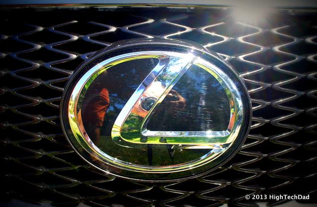 Lexus Grill Emblem - 2013 Lexus LS 460