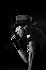Pharrell Williams on Stage (dorahon) Tags: hk usa japan hongkong blackwhite model artist pentax modeling supermodel stage performance makeup lowkey mua pharrellwilliams makeupartist pentaxk5 dorahon dotography