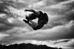 - 05 (Gorka Goitia) Tags: blackandwhite bw blancoynegro monochrome backlight clouds canon contraluz photography libertad freedom monocromo jump dof pov free bn depthoffield momento nubes salto framing capture libre crculo pdc instante escorzo fotografa captura profundidaddecampo blancetnoir encuadre luznatural canoneos5dmarkii ef70200mmf28lisiiusm vision:mountain=0707 vision:clouds=0927 vision:outdoor=0774 vision:car=058 vision:sky=0905