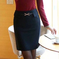 กระโปรง กระโปรงทำงาน กระโปรงสั้นสวยแฟชั่นเกาหลีสำหรับใส่ทำงานเป็นกระโปรงทรงสอบสวยเน้นสัดส่วนกำลังพอเหมาะ ช่วงเอวแต่งหัวเข็มขัดทำให้คุณผู้หญิงสามารถใส่ได้สวยโดยที่ไม่ต้องหาเข็มขัดมาใส่เลย สวยด้วยประหยัดเวลาด้วยแบบนี้ต้องมีไว้เลย จะใส่กับ รองเท้าส้นสูง เสื้