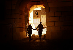 Lovers in Sibiu (Iulia H. Photography) Tags: travel sunset golden couple photojournalism tourist lovers hour romania sibiu hermannstadt nikond3000