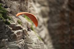 vogelfrei (StellaMarisHH) Tags: orange berg canon deutschland hamburg 28 paraglider tamron 70200 miniaturwunderland offenblende photoscape 5dmkii canoneos5dmkii eos5dmkii