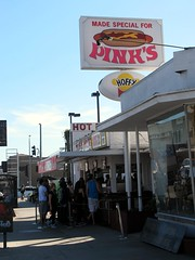 Pink's (frankieleon) Tags: california food la interestingness interesting downtown bestof eating cc hollywood creativecommons popular pinks pinkshotdogs restarurant frankieleon