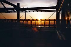 Beaubourg - April 2014 (romain@pola620) Tags: light sunset sun paris france film museum analog soleil kodak modernart naturallight 400 analogue crépuscule pompidou beaubourg argentique 400iso artmoderne onthebridge pellicule ultramax muséee
