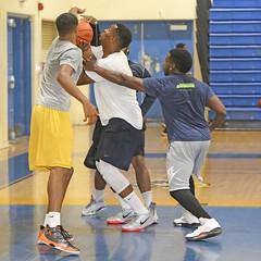 D152992S (RobHelfman) Tags: sports basketball losangeles highschool crenshaw openrun