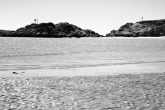 BWJPG---IMG_6433 (r4ytr4ce) Tags: ireland blackandwhite beach landscape 50mm boat eire donegal ire trchonnaill