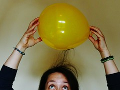 Static electricity (farnebeyond) Tags: science flickrfriday