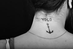 YOLO (marlorenzo13) Tags: blanco y gente negro tatuaje yolo monocromatico