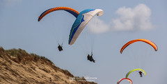 IMG_9157 (Laurent Merle) Tags: beach fly outdoor dune cte vol paragliding soaring ozone plage parapente atlantique ocan glisse littlecloud spiruline