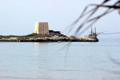 Apulien (andreasdietrich477) Tags: italien sea sky italy sun beach strand landscape eos meer wasser mare view outdoor aussicht landschaft sonne apulia peschici apulien 550d fokussiert niedrigerkontrast mittlerequalitt mittlerequalitt