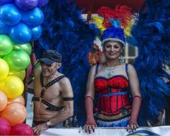 Da del Orgullo Gay 2.016... en 20 cm (la Cantinera) (Salvador Ruiz Gmez) Tags: gays lesbianas transexuales bisexuales dadelorgullogay valencia