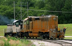 Stripped ex-ATSF 40-2 (Jeff Carlson_82) Tags: railroad train mac railway mo kansascity missouri kc stripped railfan bnsf sw1 emd repaint sd402 burlingtonnorthernsantafe midamericacar