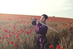 Mei (Pauline L photographe) Tags: samoura geisha coquelicots poppies countryside color canonfrance canon7d kimono vitnam sabre fineart fineartphotographer fineartphotography sigma35mm champdecoquelicots girl