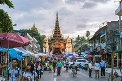 Shwedagon Pagoda (ReinierVanOorsouw) Tags: reizen myanmar birma burma travelling travel travelstoke reiniervanoorsouw sony sonya7r sonya7rii a7rii asia asya azie yangon yangoon rangon rangoon shwedagon shwedagonpagoda pagoda
