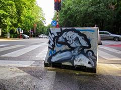 (pod) Tags: brussels streetart graffiti idiot belgium belgique tag belgi bruxelles brussel