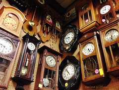 IMG_0041clocks (clarissa griffioen) Tags: world old brown money dusty alarm shop wall century dead golden early sand waiting watches time coins many side memories young lot grandpa ring age future round buy late hours times years months dust pulse granny prizes sell secondhand pandora past dimension ongoing telling ages waitingroom clocks minutes seconds owner dollars euros zeit geld endless memorylane tij pricetags dy oclock tijd eeuw hoogste tence wijzer wijzerplaat vadertje