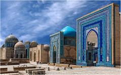Ouzbkistan. Samarkand, la ncropole Chah e Zindeh. (leonhucorne) Tags: travel nikon asie samarkand ncropole d80 ouzbkistan samarcande flickrtravelaward chahezindeh