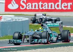 Nico Rosberg encarando la recta (vfr800roja) Tags: barcelona mercedes formula1 esp montmelo espanya montmeló nicorosberg entrenaments granpremi petronasgp